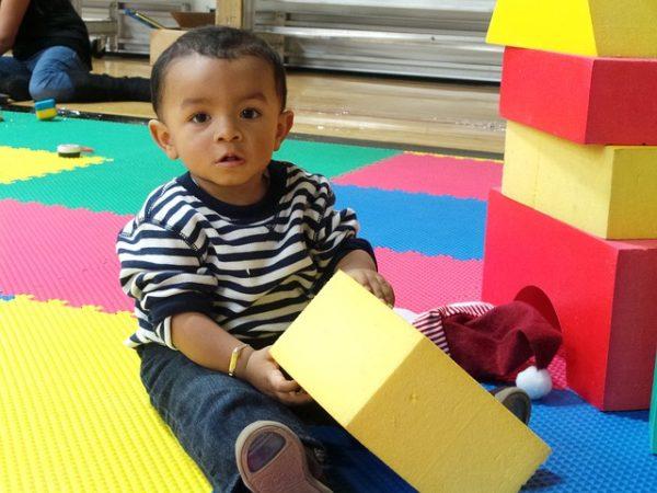 Quels jouets proposer à un bambin?